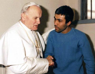 L'incontro tra Giovanni Paolo II e Alì Agca