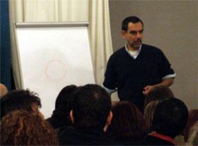 Igor Sibaldi durante la conferenza
