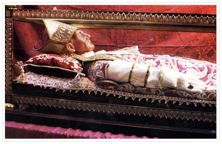 La tomba di Celestino V