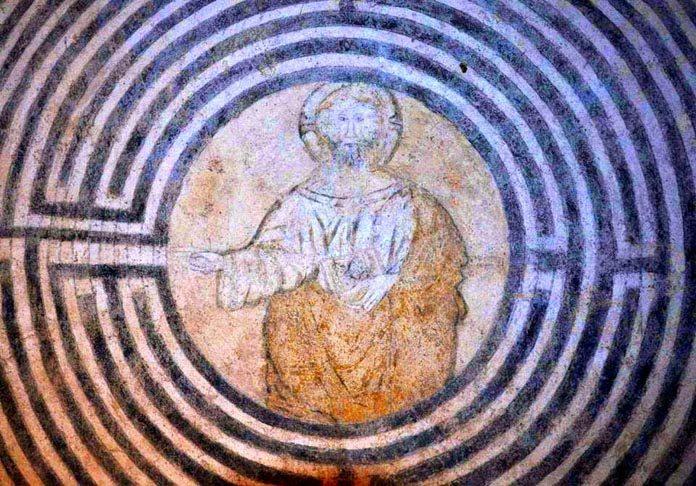Risultati immagini per cristo nel labirinto alatri